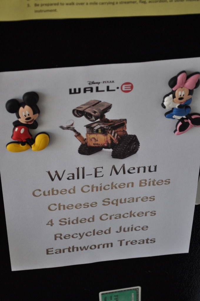 Disney Movie night dinner menus. Such a cute idea! Have a special night with fun dinner and a movie!
