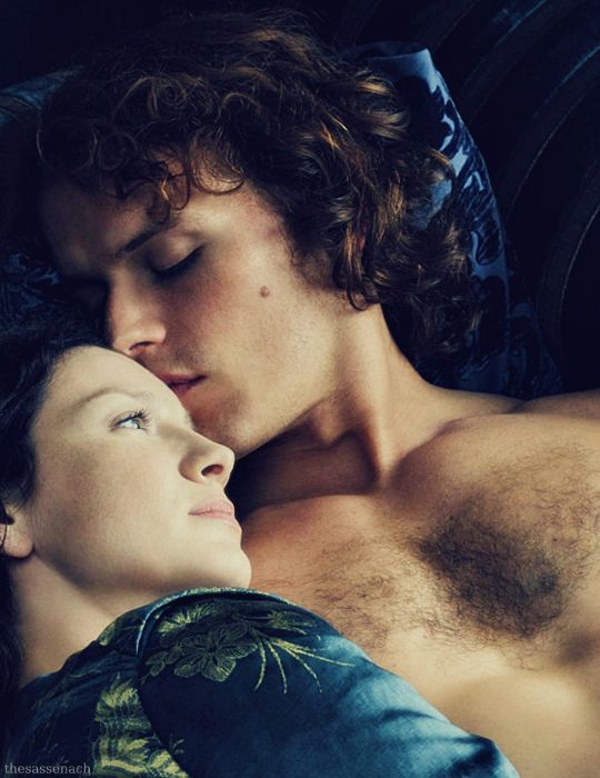 New still of Sam Heughan and Caitriona Balfe as Jamie & Claire from Outlander Season 2!