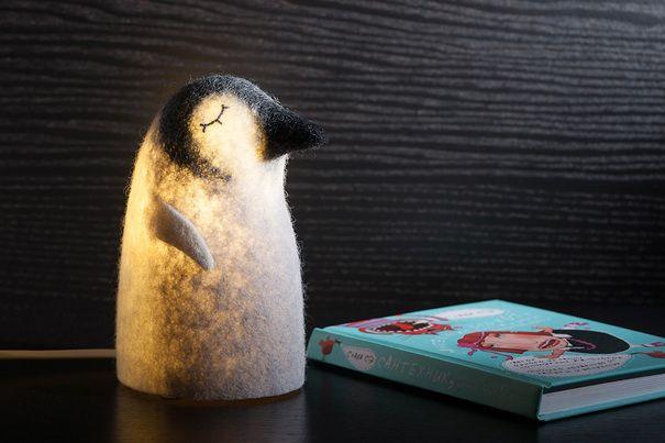 Грустный пингвин
