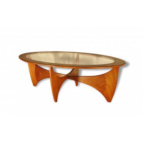 1000 id es propos de tables basses ovales sur pinterest for Table basse scandinave moutarde