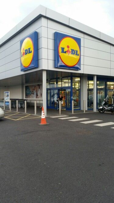 Lidl front.