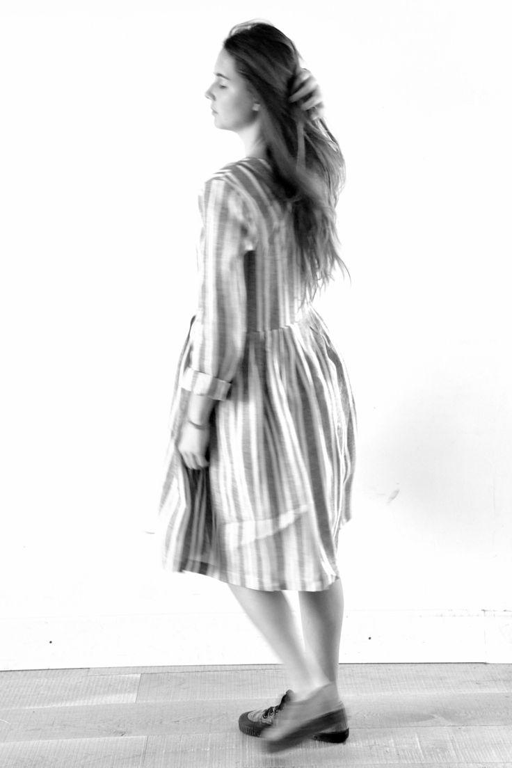robe à plis manches longues en lin rayures grises - LE VESTIAIRE DE JEANNE