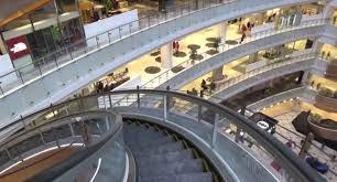 Escaleras mecánicas curvas