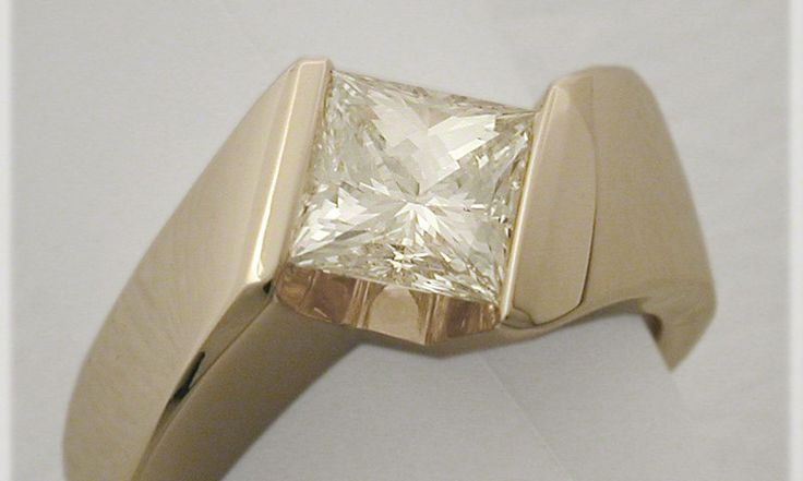 Laura Engagement Ring - Auriginal Design Goldsmiths