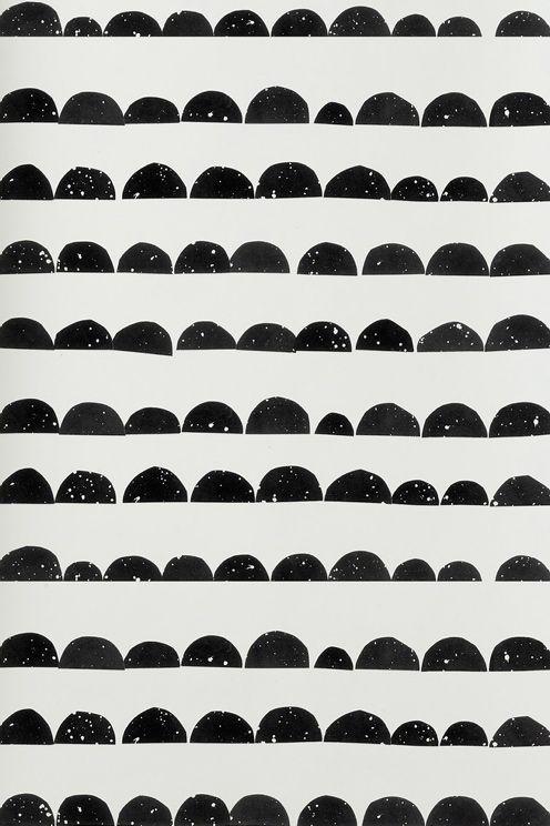 Kvalitet: Non woven. Storlek: 10,05x0,53 m. Mönsterpass: Rak 53 cm , Beskrivning: Tapet Half Moon.