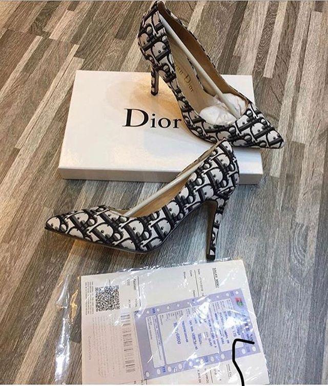 تجاره عامه الانستقرام Um Rwan 12 Um Rwan 12 يرجى الاضافه والنشر Dior Heels Instagram Photo
