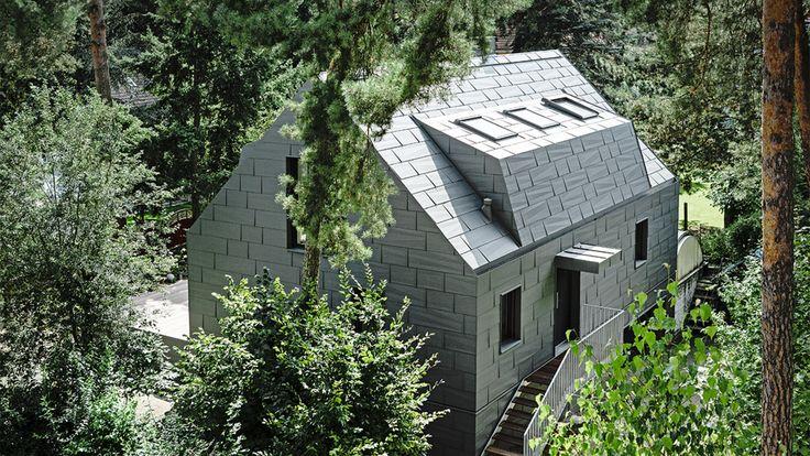Entdecken Sie Gebäude mit Aluminium-Dach oder -Fassade von PREFA.