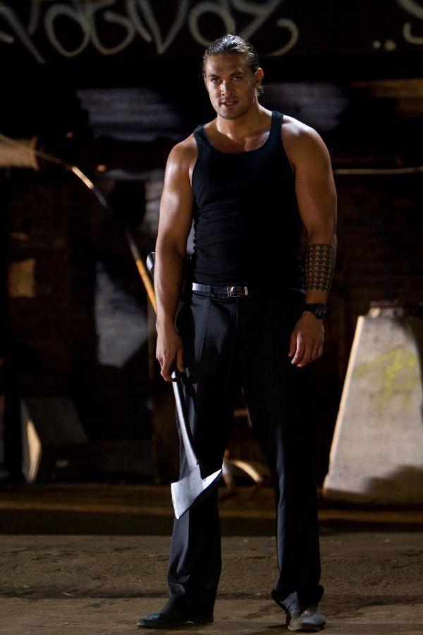 jason momoa in wolves | Sylvester Stallone si Jason Momoa se bat cu topoarele intr-o lupta pe ...