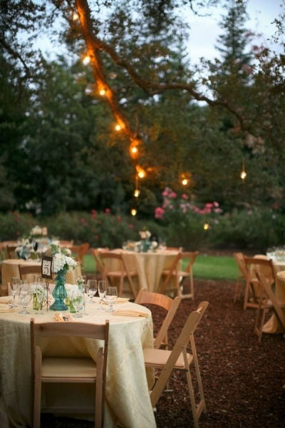 Outside dining with romantic lighting