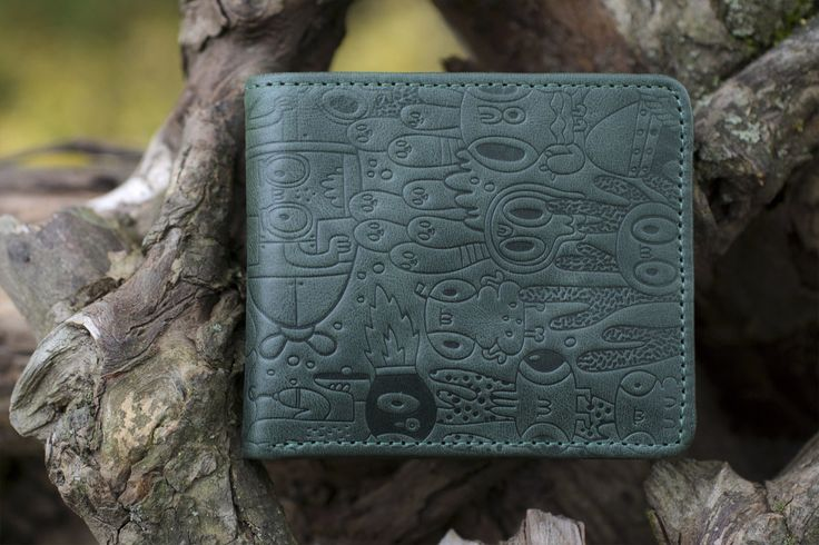 Handcrafted leather wallet by Werf. Genuine leather. Original print by designer Yeka Haski. Hand tooled wallet. Bifold wallet. Smll wallet
