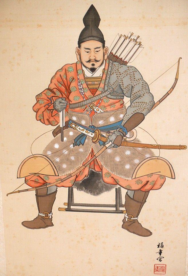 """. Японский рисунок на свитке """"Сёгун в походной ставке"""", 1880-90-е гг. Суровый военачальник изображен сидящим на походном стуле, покрытым медвежьей шкурой в полевой ставке. На голове его - самурайская шапочка из черного полупрозрачного шелка хики-татэ эбоси, , колени прикрывает шкура кабарги поверх парчовых хакама, отвороты шкуры подвязаны к поясу оби, к которому приторочен меч - тачи. . Другой рукой сёгун сжимает командный боевой веер тэссэн."""