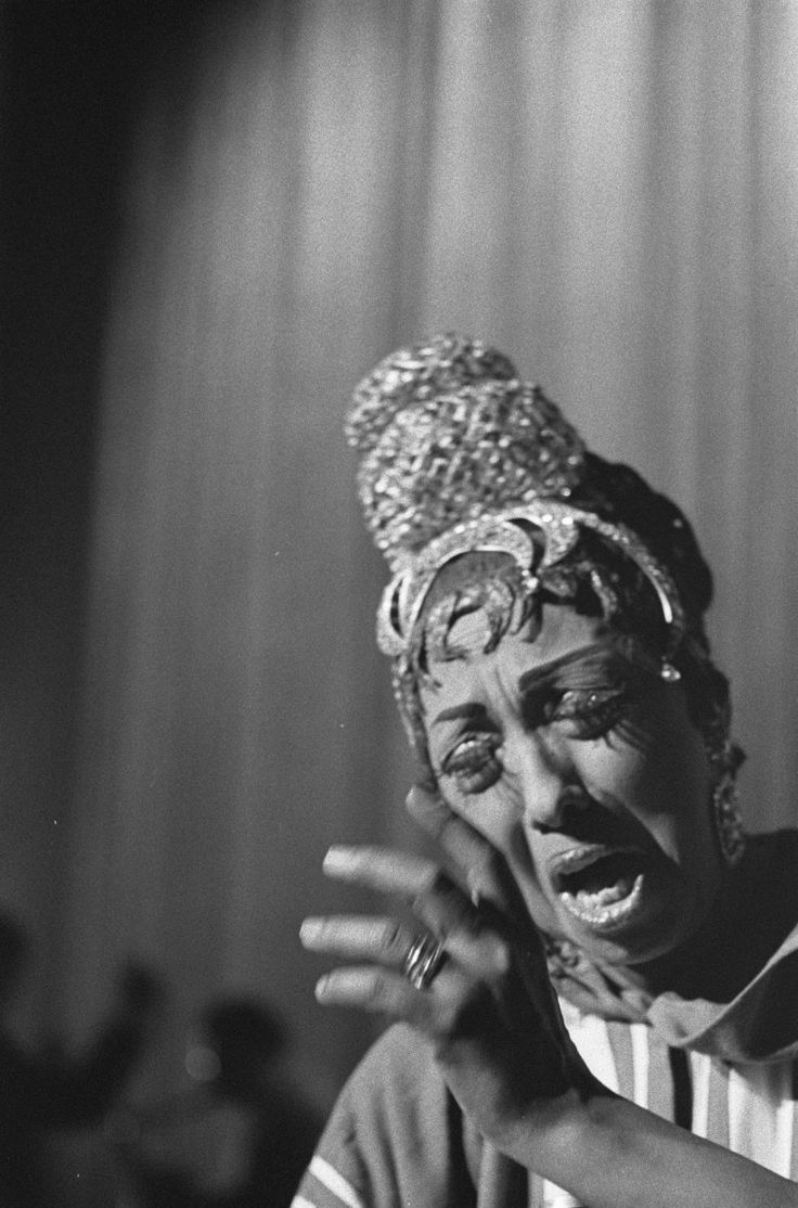 Pin by Tribal Tripping on RE-INTRODUCING MS JOSEPHINE BAKER | Josephine baker, Josephine