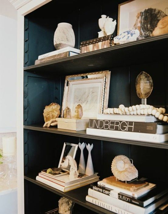 .: Decor, Dark Interiors, Ideas, Bookshelves, Bookcases, Black Interiors, Built In, Colors, Bookshelf Style