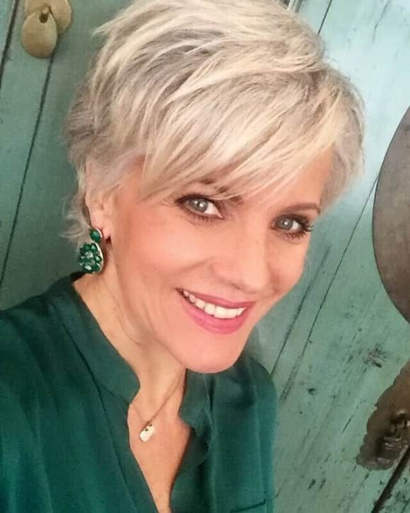 Das Sind Die Schonsten Moderatorinnen Deutschlands Mit Bildern Frisuren Haar Styling Styling Kurzes Haar