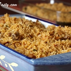 Spicy Chicken Biryani - A lot of people are put of by the thought of making biryani because it is usually so involved and time consuming.: Chicken Biryani, Rice Recipes, Recipes Chicken, Food Ideas, Chicken Dishes, Dinner Ideas, Kitchen, Indian Pakistani Food