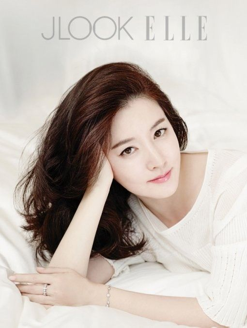 Lee Young Ae image