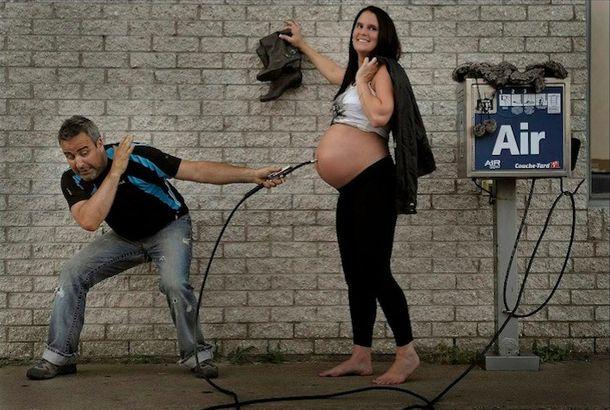 妊娠中の写真は一生のこる宝物ですよね。そんな素敵な瞬間をすばらしいアイデアで写真集にしたカナダ人のご夫婦、Patrice LarocheさんとDenisさんを紹介いたします! 1:妊娠発覚!まだまだペタンコなおなかにチューブを入れてます。 2:2ヶ月後。待ち続けるパパのかいもあり、ちょっと膨らみ気味。 3:6ヶ月です!...