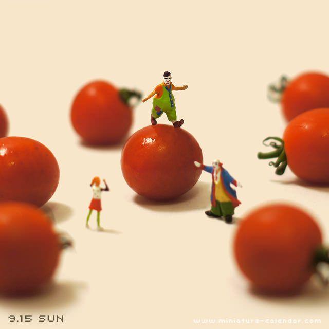 Mantniendo el equilibrio sobre un cherry. www.culleradeboix.com