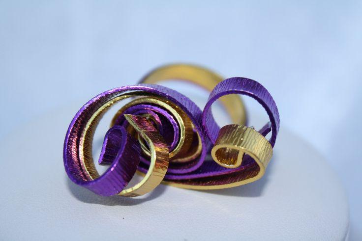 Spiralringe - Ring Aludraht lila gold Schalring Schmuck wirework - ein Designerstück von trixies-zauberhafte-Welten bei DaWanda