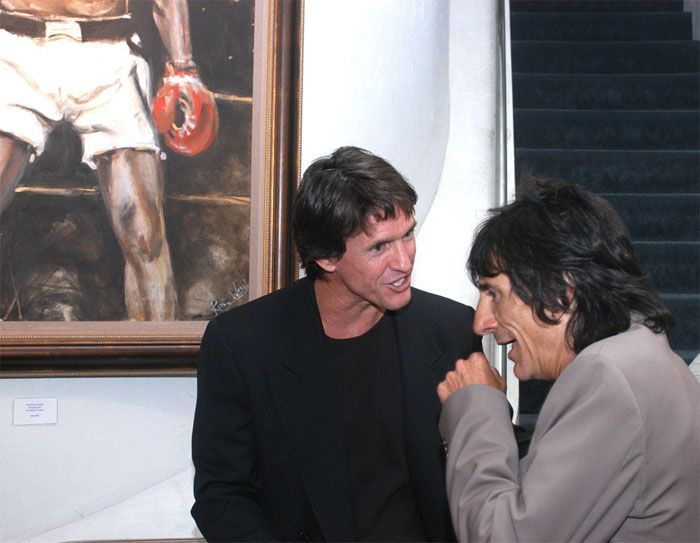 Ronnie Wood and Michael have a nice chat.