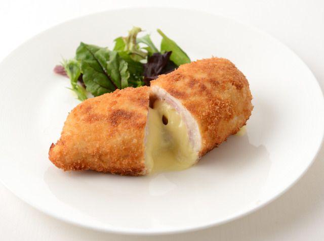 チキン・コルドン・ブルー(鶏むね肉のチーズはさみ揚げ) 小川 智寛シェフのレシピ | シェフごはん