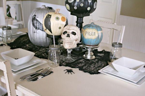 Halloween Table Centerpiece | decoupaged pumpkins | TodaysCreativeBlog.net