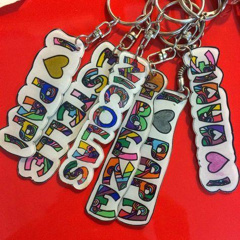 DIY porte-clefs prénoms en plastique fou