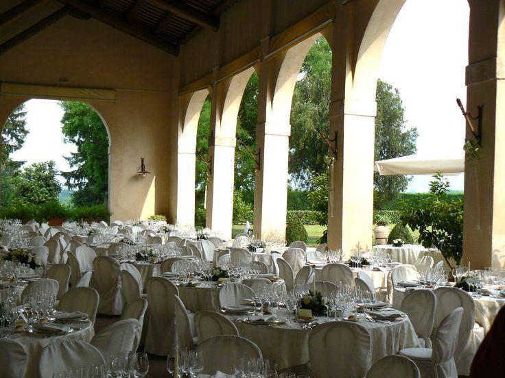 Una lista di cose da sapere per un matrimonio all'aperto.  www.fioreriasarmeola.com
