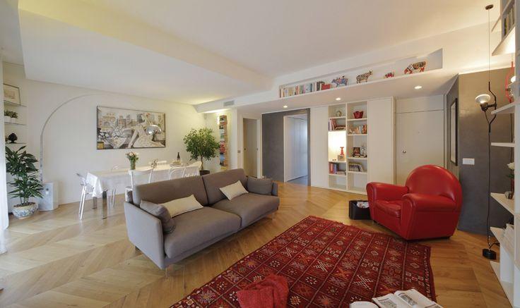 130 mq: soggiorno doppio e cucina separata per la casa con bagno e cameretta a pianta irregolari - Cose di Casa
