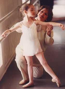 Hands-on ballet teaching strategy