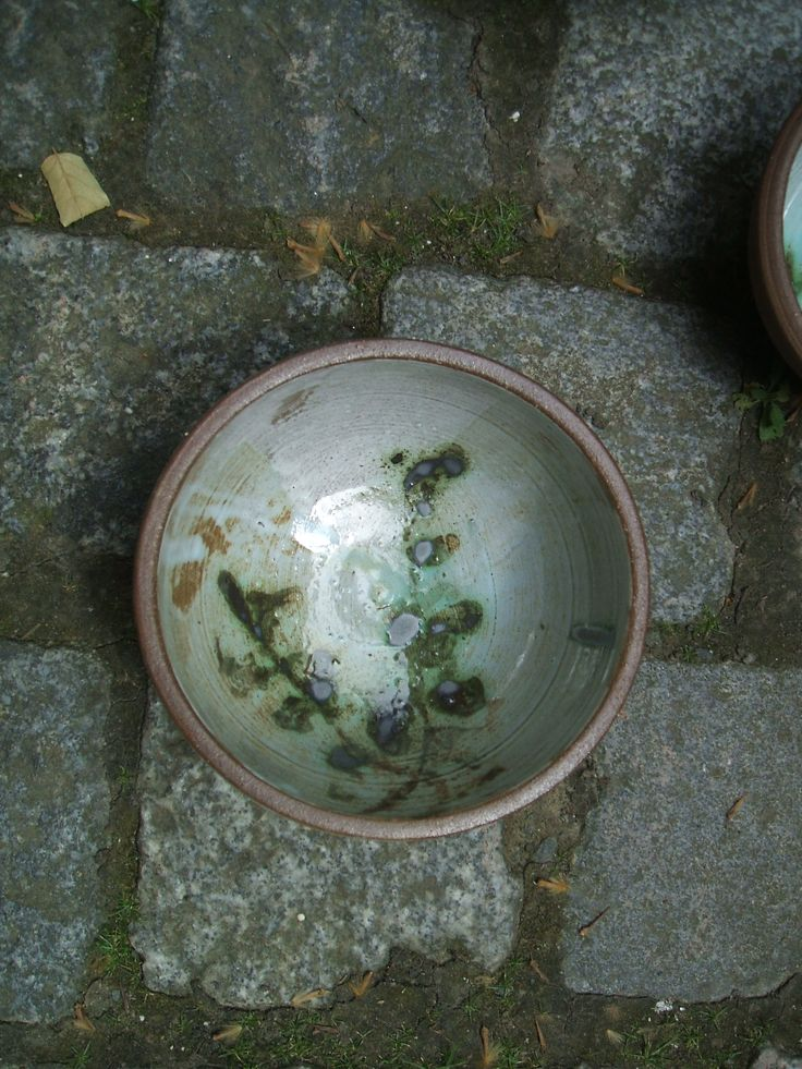 wheel thrown ceramic bowl - red clay, glazed