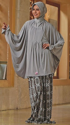 Mukena Ponco Camelia - Mukena Atas spandex(polos). Bawahan spandex(motif). Jilbab spandex(include). Size XL. Warna : abu-abu, biru, peach, dan fuchia. $40.00 on Dzakirah boutique