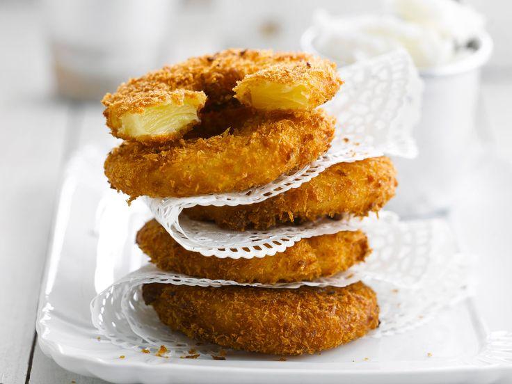 Découvrez la recette Beignets à l'ananas sur cuisineactuelle.fr.