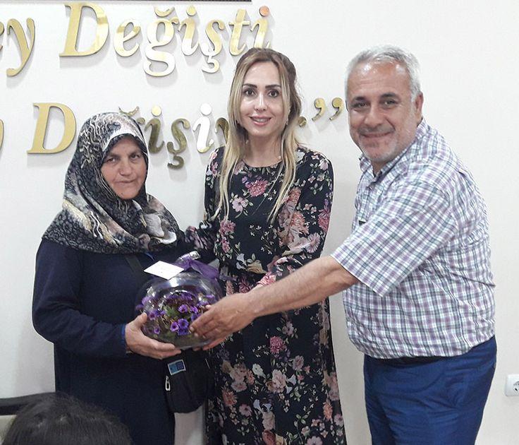 Hizmetlerin planlama ve uygulamasında muhtarların görüş ile düşüncelerine büyük değer veren Adana Büyükşehir Belediyesi, insan merkezli sosyal belediyecilik çalışmalarında verimliliği arttırmak amacıyla muhtar eşlerinin etkin rol üstleneceği 'Kadın Eli Değsin Projesi'ni hayata geçirdi. Saimbeyli ve Feke'deki muhtar eşleriyle bir araya gelen Muhtarlık İşleri Daire Başkanlığı bürokratları, kadın iş gücü ve üretiminin yaygınlaştırılması, ev ekonomisine katkı …