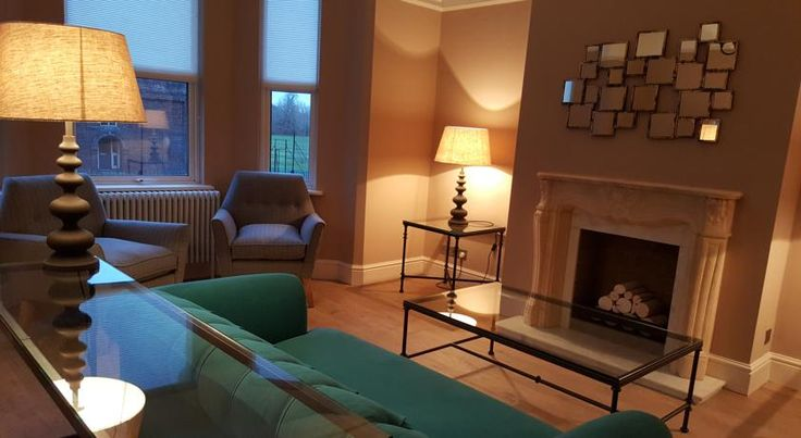 The Oxford Townhouse Oxford Recently refurbished, The Oxford Townhouse bed & breakfast offers accommodation located within a 10-minute walk of Oxford city centre, and half a mile from Christ Church Meadow Walk. Free parking and WiFi are available.