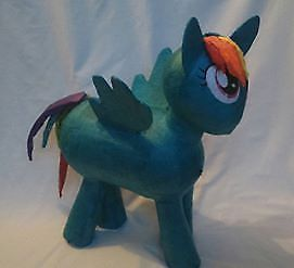 My-Little-Pony-raimbow-dash-hit-pinata-birthday-party-game
