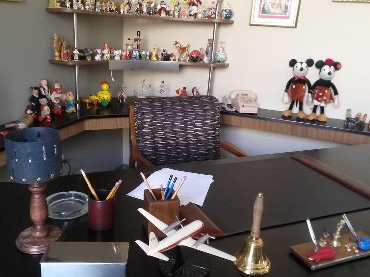 A photo tour of walt disney 39 s office and the disney studios lot with disney d23 savingmrbanks - Walt disney office locations ...