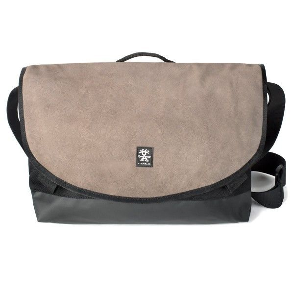 """The Proper Roady Leather Slim Laptop M is a slim-fit laptop bag that comes with an integrated sleeve for your 13"""" laptop. With the laptop safely stored away feel free to keep your pet snakes in the main compartment."""