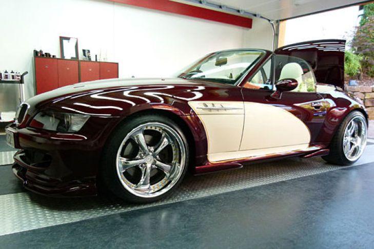 """Hannes Kummer zeigt auf der Messe """"Car style"""" in Bremen seinen BMW Z3 Roadster mit M3-Motor und SMG-Getriebe."""