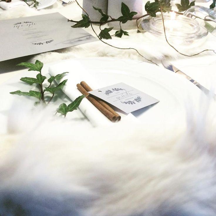 #zimnisvatba #svatbadesign #weddingmenu #namecards #weddingdecor #vyzdoba #design #svatebnidesign #zima #winter #wedding #menu #jmenovky #svicky