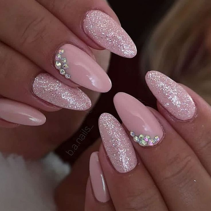 Venice und LE Diamond 💕 b.a.nails_ @jet_set_beauty_nails #nails #beautiful #nailart #nailstagram