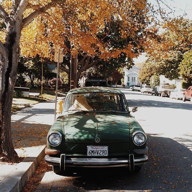 Volg http://thevintagologist.tumblr.com/: meer dan 10.000 berichten van vintage lifestyle, design, mode, kunst, auto's, architectuur, muziek en levensmiddelen