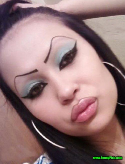 TOP 15 Worst Makeup Pictures I give up. These Make-up Photos have finished Me Off. See These 15 Pictures of Crazy, Ugly, Strange and Funny Makeup.