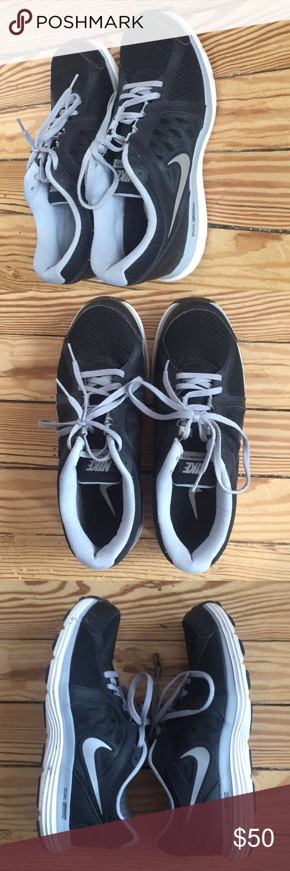 Nike Dual Fusion ST3 sneakers women's 10 M Women's Nike Dual Fusion lightweight running shoes, size 10 (US). These are very gently worn and in excellent used condition. Retail price $70 and rated 4.7/5 online. Nike Shoes Sneakers