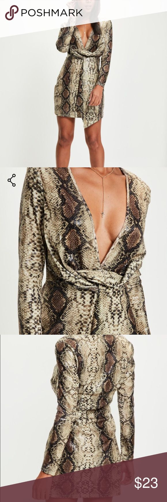 Animal Print Sequin Dress Did you see the Balmain Autumn/Winter 2017 show?? Well it's all about low cuts and animal print on the runway this year! Get your hands on the look for a much more affordable price :) Tags are still attached Dresses Long Sleeve