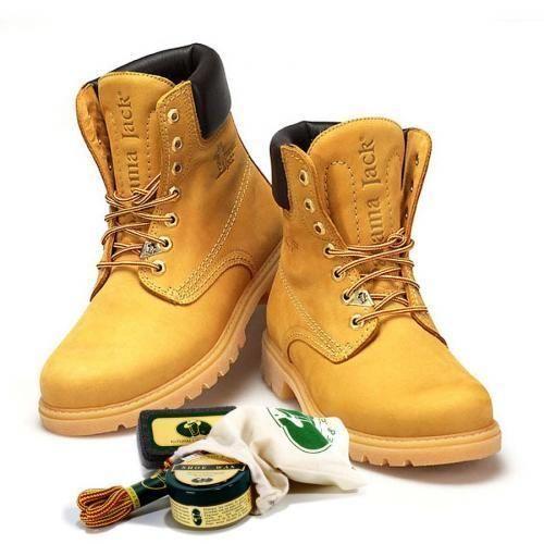 Cómo limpiar #botas de piel. Unos zapatos limpios y brillantes son la carta de presentación perfecta en cualquier tipo de evento. En unComo no queremos que unas botas sucias o con mal aspecto arruinen tu imagen y, por eso, te mos...