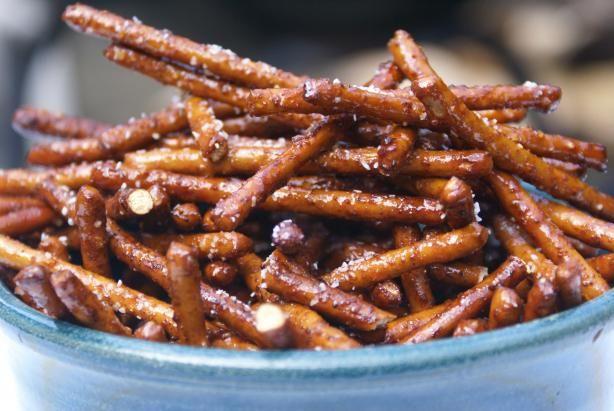 Spiced Honey Pretzels - 4c pretzel sticks, 3T honey, 2t butter, 1t chili powder, and 1t onion powder. Yumm!