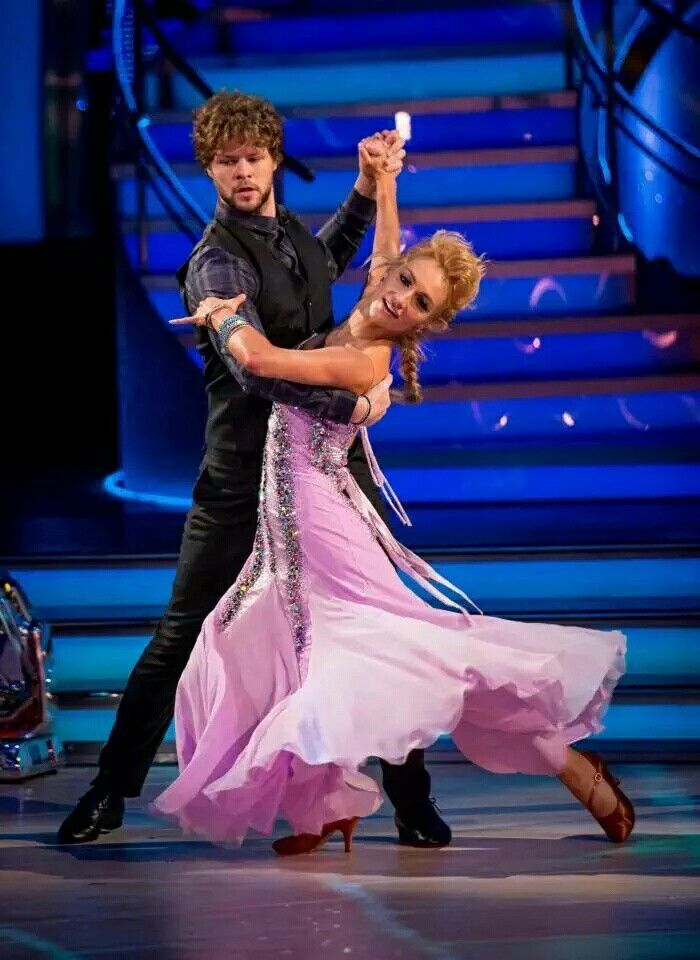 Jay & Aliona on strictly come dancing last night. We are cheering you on from the states ❤️ please vote everyone!!!