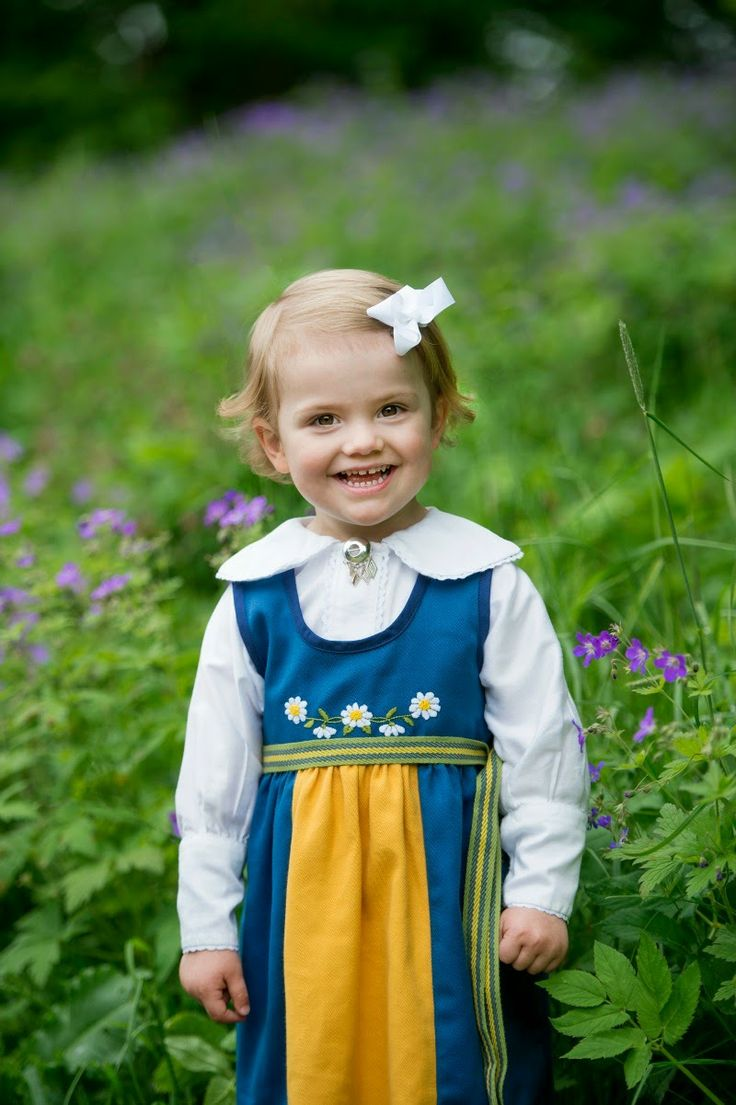 New photos of Princess Estelle on the occasion of National Day
