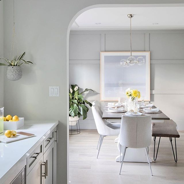 Stunning dining room for @loveitorlistitvancouver // Design by @jillian.harris ⠀  -⠀  -⠀  -⠀  -⠀  ⠀  #contemporary #contemporarystyle #contemporaryart #contemporarypainting #contemporarydesign #abstract #abstractpainting #abstractart #montreal #mtl #mtldesigner #mtlartist #luxury #luxuryliving #luxuryinteriors #canadiandesign #interiorstyle #mydomaine #madeinmtl #madeinmontreal #handmade #loveitorlistit #loveitorlistitvancouver